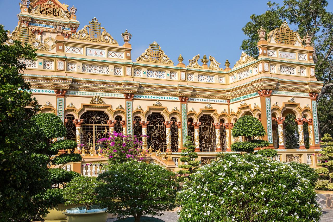 The temple at Vinh Trang