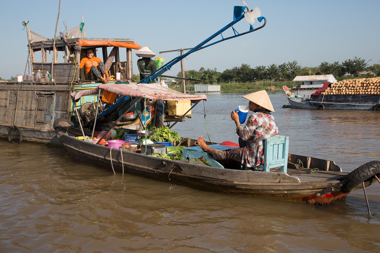 The floating market at Chau Doc.
