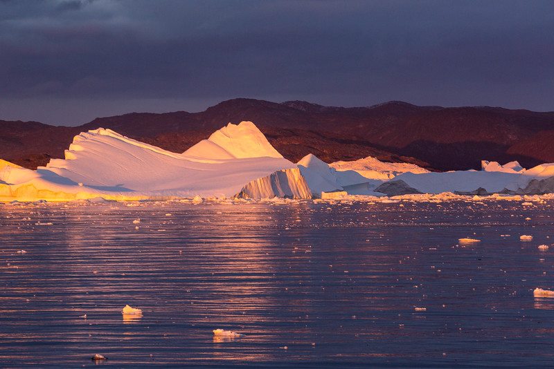Soft light on the icebergs.
