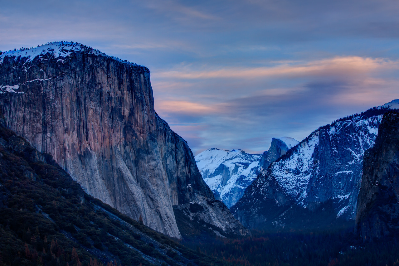 Evening view of Yosemite Valley from the Tunnel View