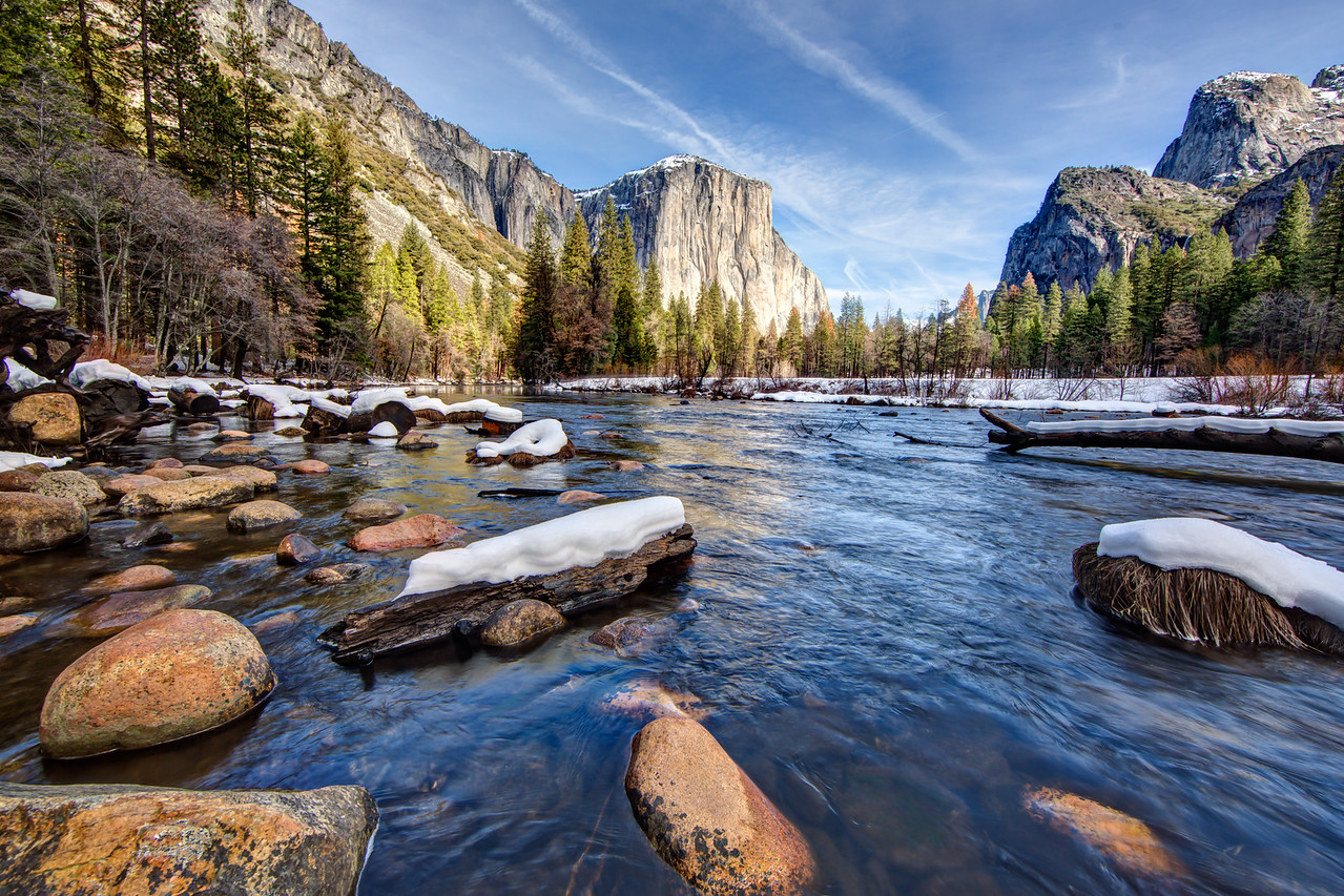 Viewing El Capitan from the Merced River