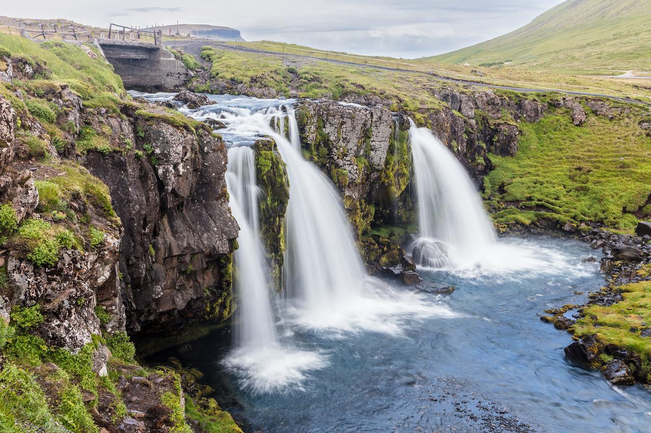Kirkjufellsfossi Falls