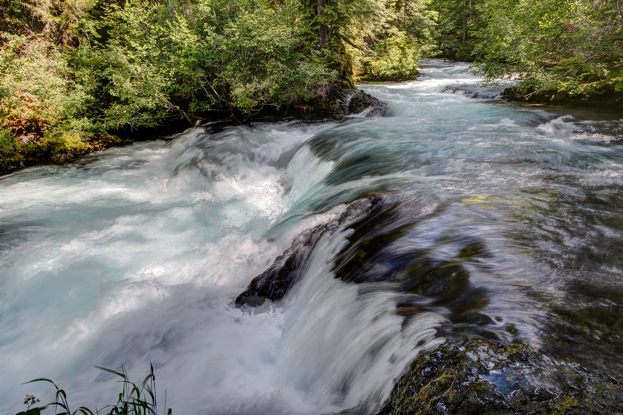 Another view of rushing water on the McKenzie River