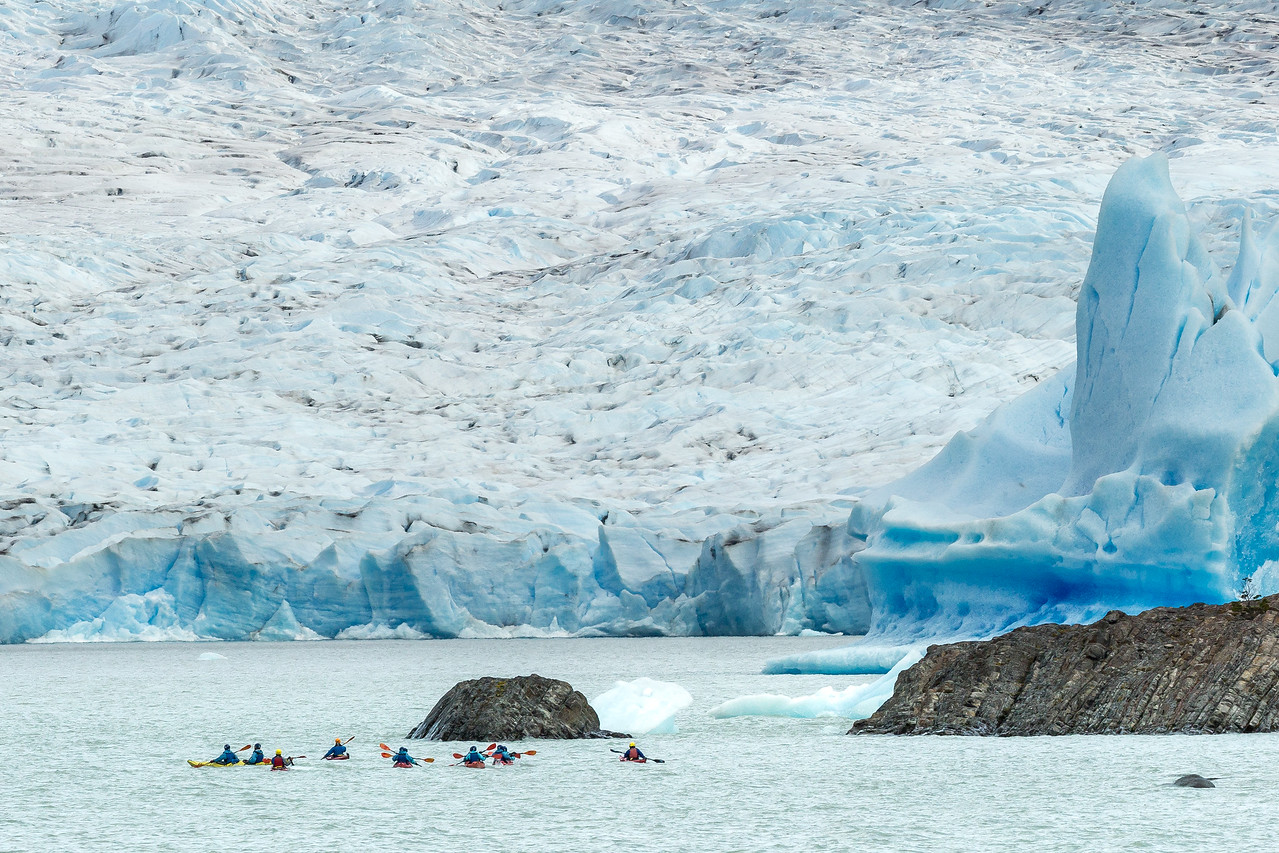 As we approached the head of one arm of the glacier we saw a group of kayakers making their way toward the glacier.