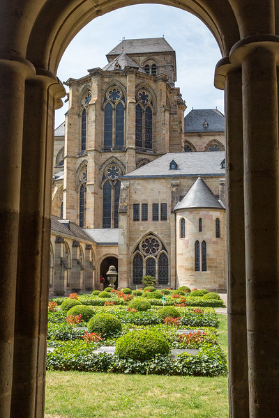 A peek at St. Peter's Cathedral in Trier.