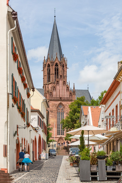 Walking toward the cathedral in Oppenheim.