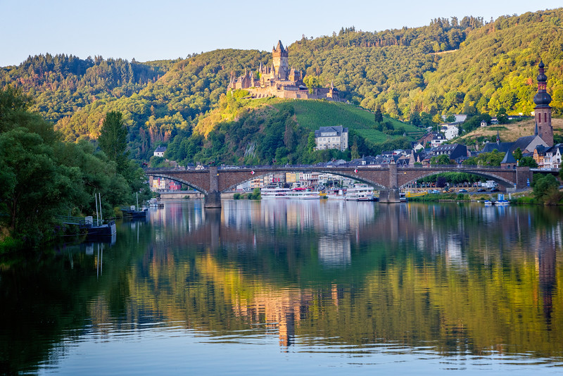 Coming into Cochem in the early morning with the Cochem Castle overlooking the Mosel River.