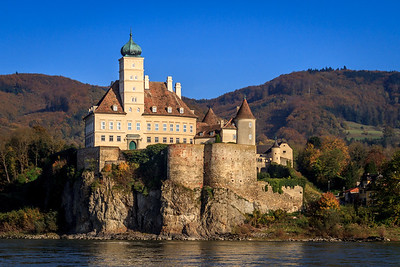 A castle on the Danube