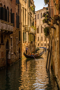 "Gondola on a ""back street"""