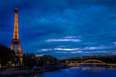 Just after sunset at Le Tour Eiffel and Pont Debilly