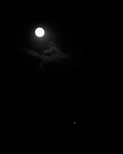 Jupiter Visible with Full Moon