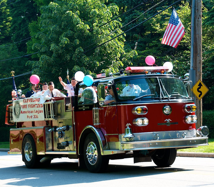 Bratenahl Memorial Day Parade 2011 105.jpg