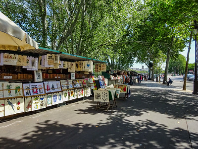Bouquinistes (Booksellers) on the Quays Along the Seine