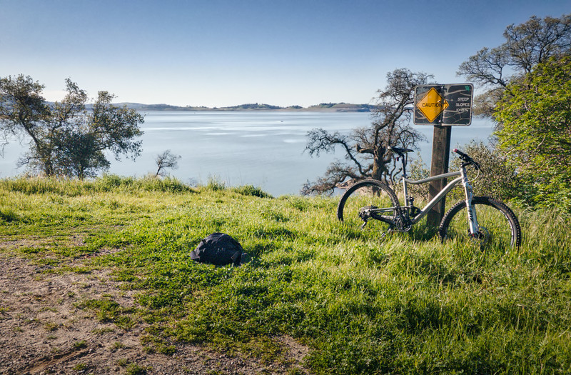 Mountain Biking along Folsom Lake