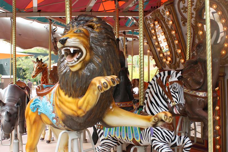 ZO 8 Carousel Lion & Zebra