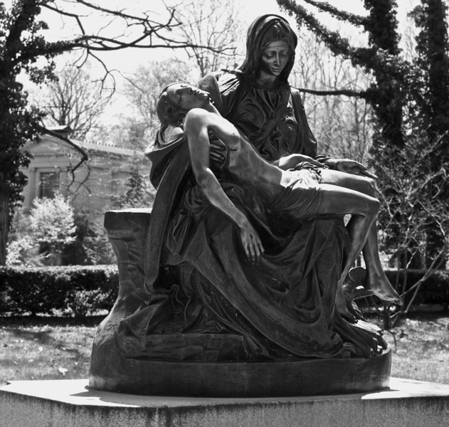 Lakeview Cemetery Statue