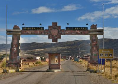 BOV_0258-7x5-Entrance-Tiwanaku