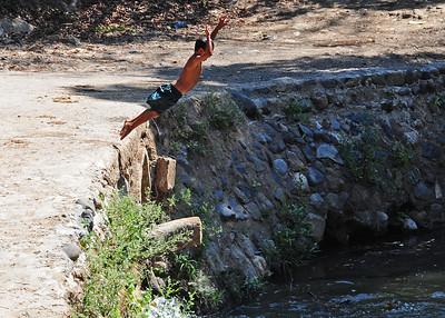 NEA_1714-7x5-Locals swimming