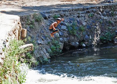 NEA_1715-7x5-Locals swimming