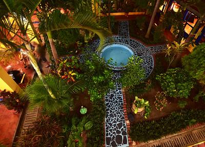 NIC_0210-7x5-Hotel Garden