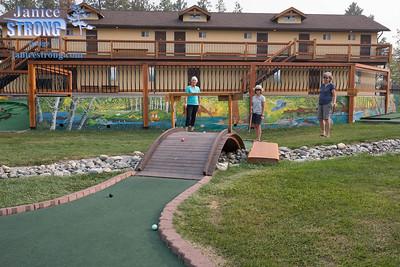 Mini-Golf-Elizabeth-Lake -Lodge-8959-Janice-Strong