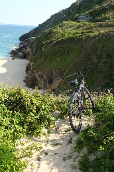 SC 253 Bike on Cliff