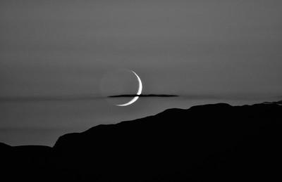 NEA_3372-17x11-Moon setting-BW