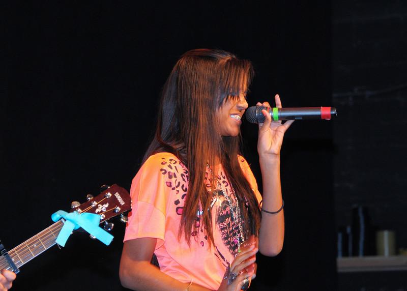 NEA_1151-7x5-Singer