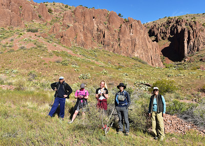 NEA_0964-7x5-Hikers-Chupadera