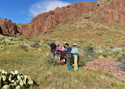 NEA_0966-7x5-Hikers Chupadera