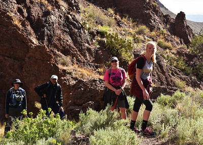 NEA_0977-7x5-Hikers-Chupadera