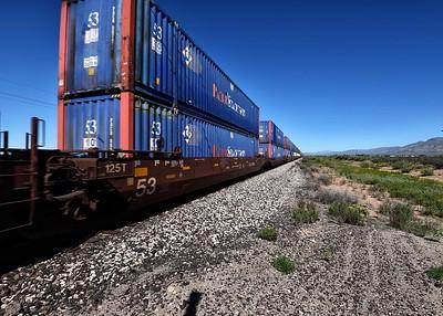 DSC_0092-7x5-Train in motion
