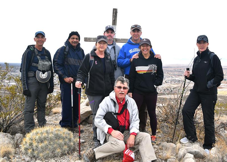 NEA_8589-7x5-Hikers