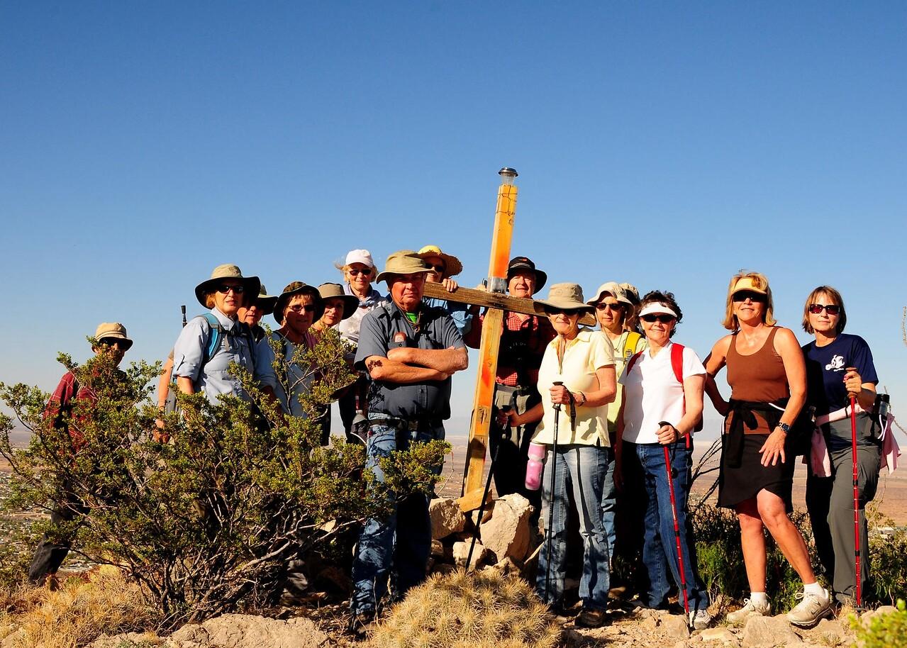 NEA_3381-7x5-Hikers