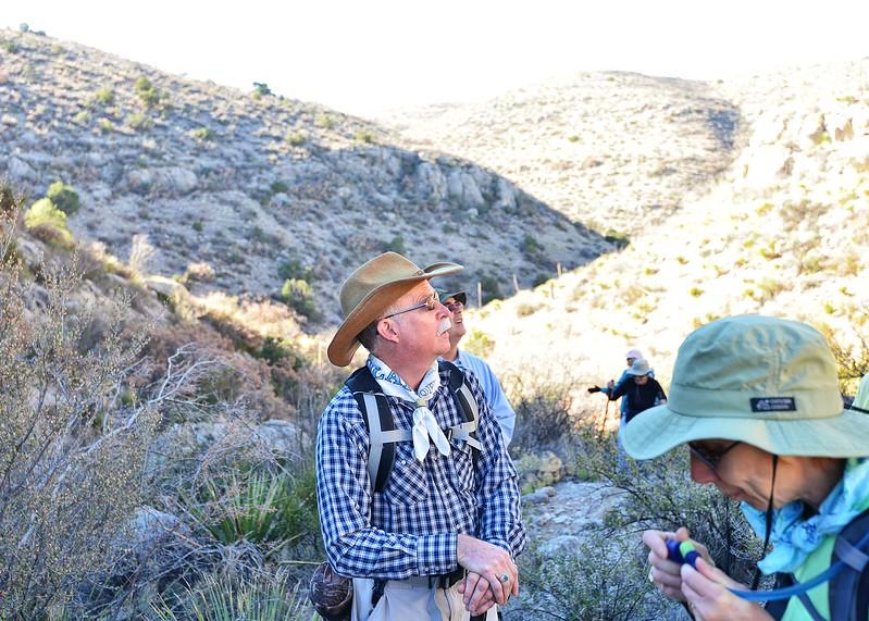NEA_5116-7x5-Hikers