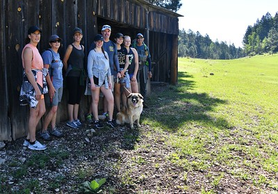 NEA_1036-Hikers