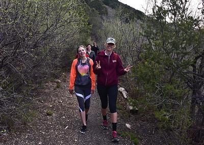NEA_1198-7x5-Hikers