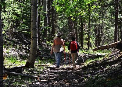 NEA_0101-7x5-Hikers