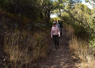 NEA_2617-7x5-Hikers