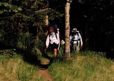 PEU_4659-7x5-Hikers