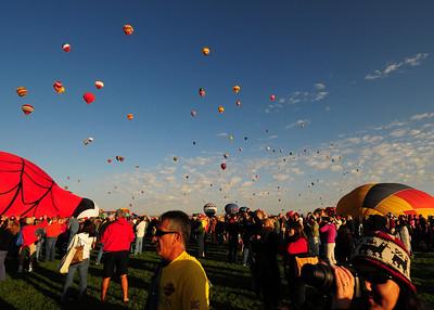 NEA_5119-7x5-Balloons