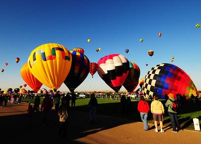 NEA_5278-7x5-Balloons
