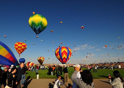 NEA_5332-7x5-Balloons