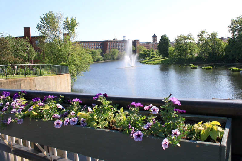 NA 2 River & Flowers