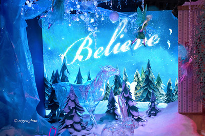 Macy's Holiday Windows NYC 2013,