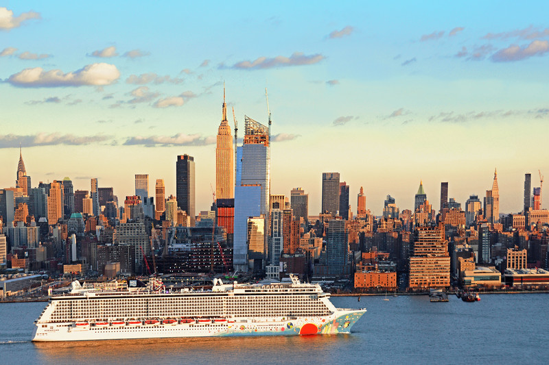 NYC-Departing Cruise Ship