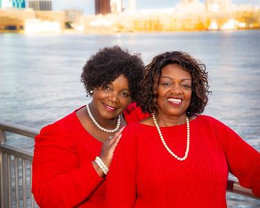 16x20 Linda and Pam photo 537  -