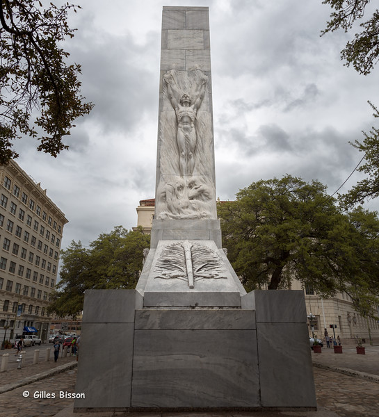 Monument in front of the Alamo, in honour of  the Defenders of the Alamo, San Antonio, Texas,March 18 2015, Canon 6D, 24-105mm,1/125,F10.0,ISO 100