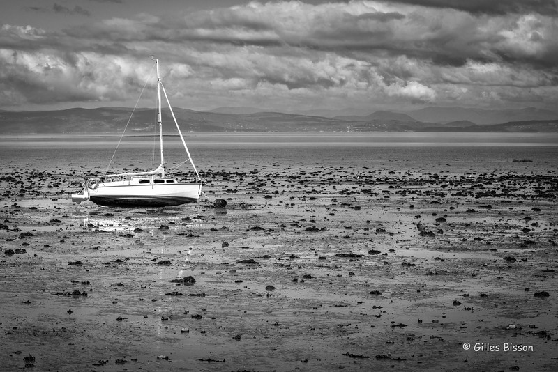 Sailboat at low tide on St-Lawrence, Gaspe Peninsula, September 02, 2016, Canon 6D, 105mm, 1/125,F11,ISO 200