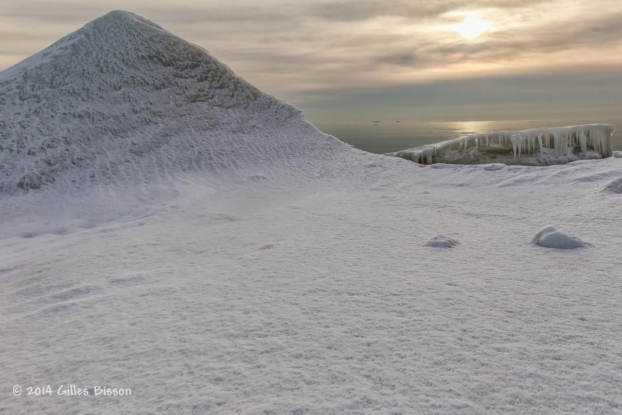 Ice Formation, Presqu'ile Provincial Park, #9906,Feb 1 2014, Canon 6D 1/250 F10 ISO400